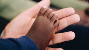 Adozione e genitorialità adottiva
